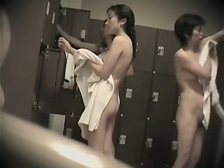 Japan girl baring off her..