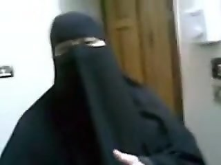 Arab wife gets dick inside her