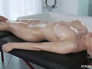 Keiran Lee's oiled massage..