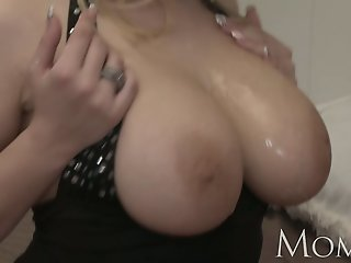 MOM Divorced MILF wants to..
