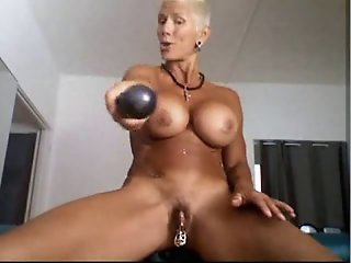 Bysty MILF Heather with 15..